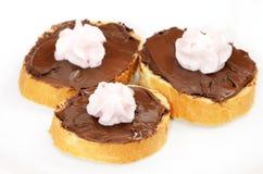 Brot mit Schokoladencreme Stockfotografie