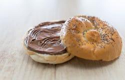 Brot mit Schokoladensahne Lizenzfreies Stockbild