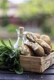 Brot-rustikales selbst gemachtes Mittelmeer lizenzfreie stockfotos