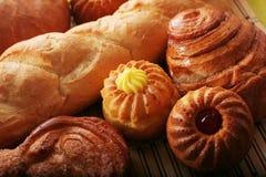 Brot und Brötchen Lizenzfreies Stockfoto