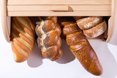 Brot und Brotkorb Lizenzfreies Stockbild