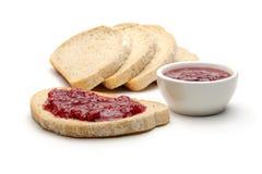 Brot- und Himbeerstau Lizenzfreies Stockfoto