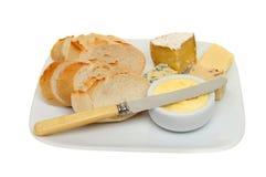 Brot und Käse lizenzfreie stockbilder