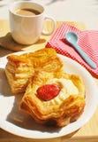 Brot und Kaffee stockfotografie