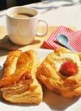 Brot und Kaffee stockfotos