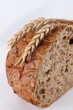 Brot und Wheat-ears Lizenzfreies Stockfoto