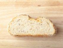 Brot vom Roggen- und Weizenmehl Stockfotografie