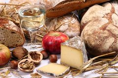 Brot, Wein, Käse Stockbild