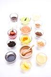 Brotaperitifsatz verschiedener Vanillepudding, Jamswurzel, Honig, Schokolade und Lizenzfreie Stockfotos