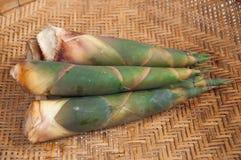 Brote de bambú en fondo de la estera Imagenes de archivo