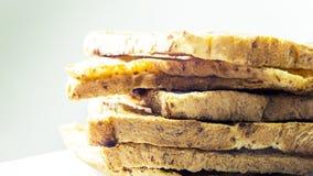 Brote schneiden werden gelegt in Schichten Stockfoto
