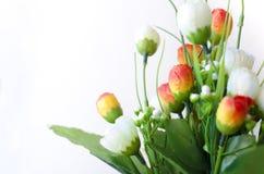 brotes de flores color de rosa artificiales Foto de archivo