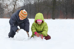 Free Brother And Sister Sculpt Snowman Stock Images - 20004444