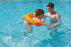 Lección de la natación Imagen de archivo libre de regalías