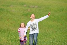 Brother and sister laugh Royalty Free Stock Photos