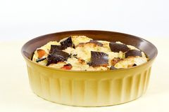 Brotpudding mit Schokolade Stockbild
