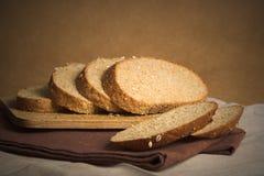 Brotscheiben lizenzfreie stockfotos