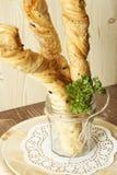 Brotstöcke in einem Glas Lizenzfreies Stockfoto