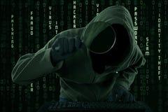 Brottslig sökande efter information om Cyber royaltyfri bild