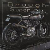 Brough Superieure motobike bij EICMA 2014 in Milaan, Italië Stock Afbeelding