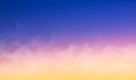 Brouillard au coucher du soleil Photographie stock libre de droits