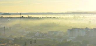 Brouillard, brouillard dans la ville Thaïlande de Pattaya Photographie stock libre de droits
