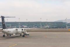 Brouillard dans l'aéroport de Kloten ou l'aéroport international de Zurich Il est Image libre de droits