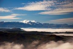 Brouillard dans la vallée ci-dessous   Image stock