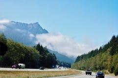 Brouillard de l'état de Washington sur les routes Images libres de droits