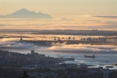 Brouillard de lever de soleil de Vancouver Photo stock