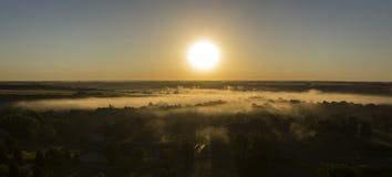 Brouillard de rivière photographie stock libre de droits