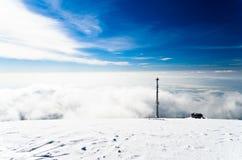 Brouillard de roulement, ressemblant presque à une avalanche image stock