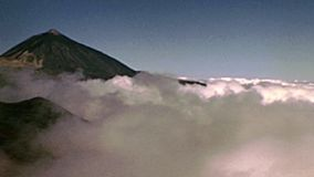 Brouillard de Teide d'île de Ténérife banque de vidéos