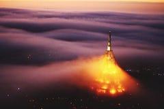 Brouillard de ville de matin Photos stock