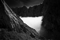 Brouillard en montagnes III Photo libre de droits
