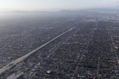 Brouillard enfumé Areial de bassin de Los Angeles Photographie stock libre de droits