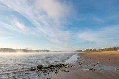 Brouillard sur la rivière Photos libres de droits