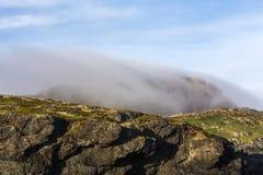 Brouillard sur la tête de soufre, île de Fogo Photos stock