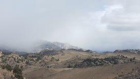 Brouillard sur les montagnes Photos stock