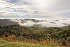 Brouillard sur Ridge Parkway bleu Photos libres de droits