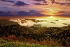 Brouillard sur Ridge Parkway bleu Image libre de droits