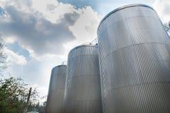 Brouwerij en opslagsilo's Stock Foto