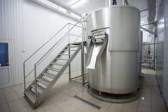 Brouwerijfabriek stock afbeeldingen