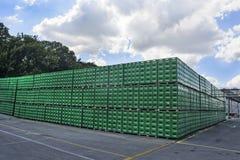 Brouwerijpakhuis van plastic verpakking Royalty-vrije Stock Afbeeldingen