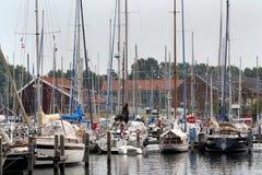 Brouwershaven малый город на Grevelingen в голландской провинции Зеландии Стоковая Фотография RF