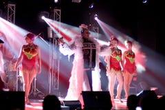Brovary, Ukraina, 31 03 2007 Popularnych Ukraińskich sławnych artiste Verka Serduchka, Andriy Danylko, wykonuje na scenie w Shopp obraz royalty free