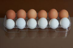 Brovn y huevos blancos Foto de archivo