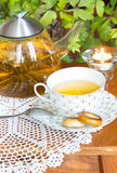 Browarniana herbata i osuszka na stole Obrazy Royalty Free