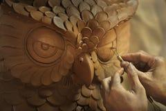 browm黏土做的猫头鹰 免版税图库摄影