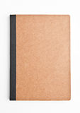 Brown-Anmerkungsbuch leer und leer auf Weiß lizenzfreies stockbild